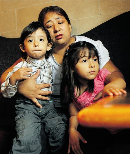 Paola Ortiz and her Canadian-born children, aged 2 and 4