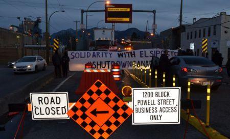 Port de Vancouver bloqué en solidarité avec Elsipogtog
