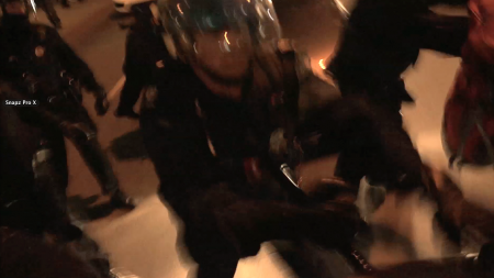 Violence policière devant le Queen Elisabeth