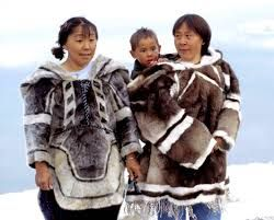 Inuit women in amoutis