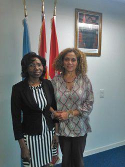 Son Excellence M. Nakpa Polo, Ambassatrice de la mission du Togo, ONU et Elisabeth Wilson, l'Alliance Globale contre les MGF (c)GAFGM 2013